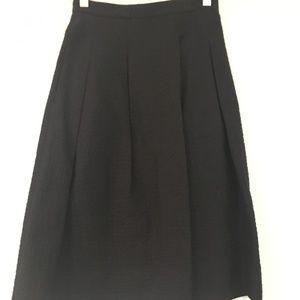 NWT H&M pleated black a-line skirt